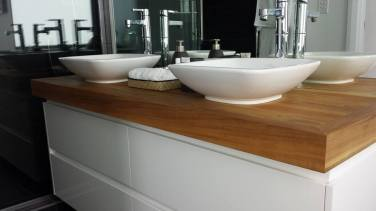 Ensuite vanity top made by Martin