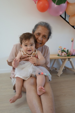 Mia & Grandma